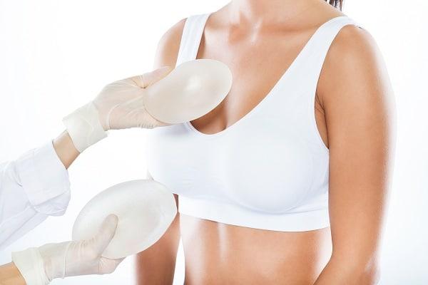 augmentation mammaires par prothèses,